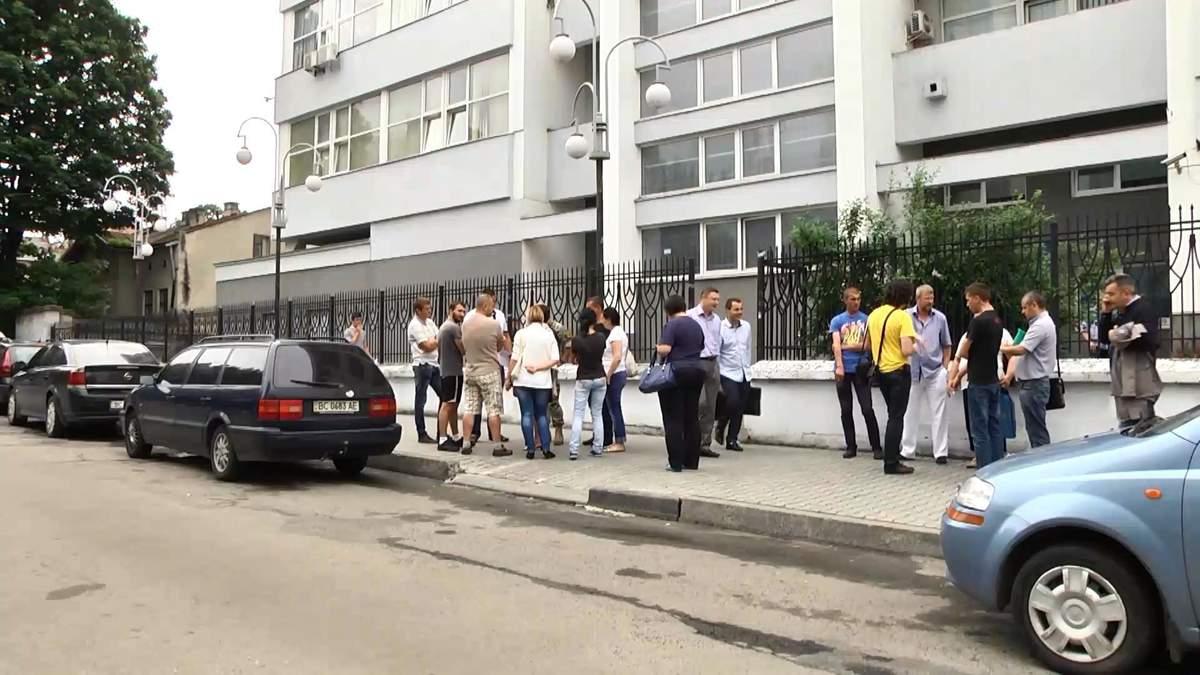 Львовский суд оштрафовал волонтеров за автомобили для АТО