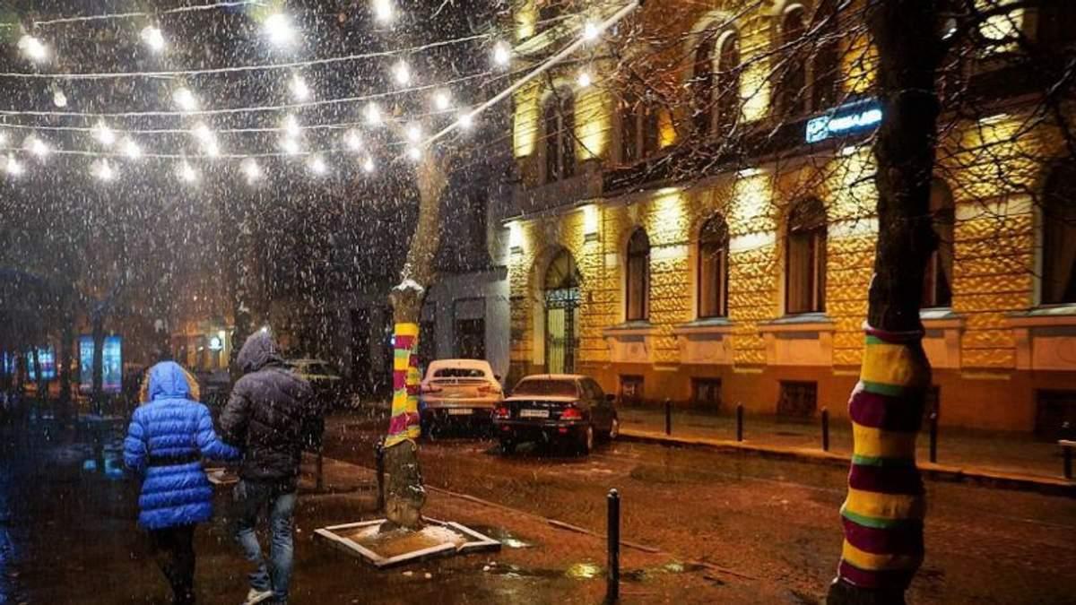 Львів у кокаїні: в місті тішаться першим снігом
