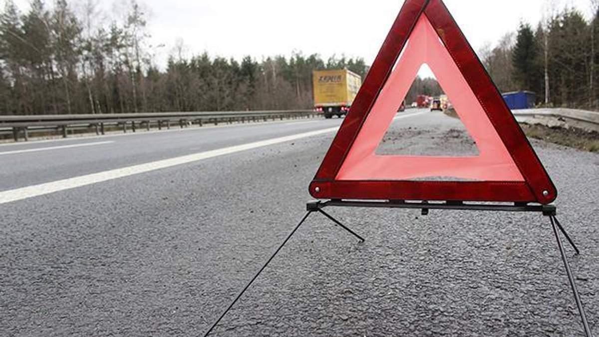 На Львівщині зіткнулися автопоїзд і мікроавтобус: є постраждалі