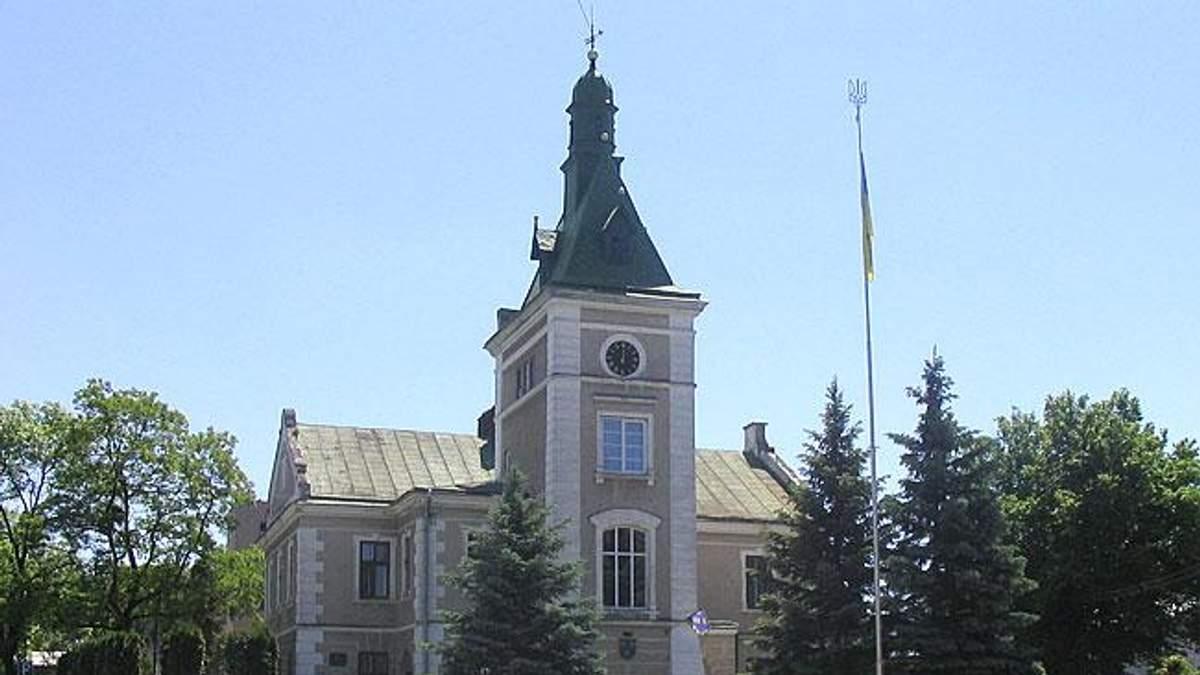 Жителі містечка на Львівщині відмовилися повертати йому історичну назву