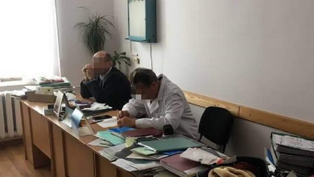 У Львові посадовці-медики хотіли нажитися на чоловікові з інвалідністю
