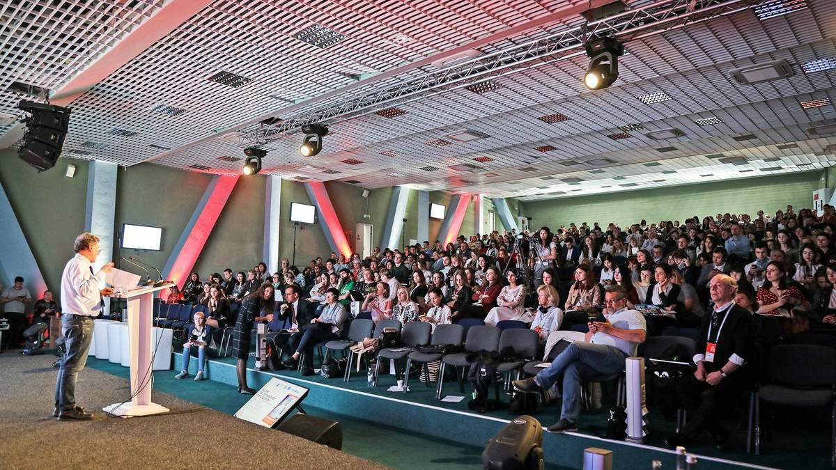 """""""Украинцам нужно сохранить независимость медиа"""": во Львове стартовал шестой медиафорум"""