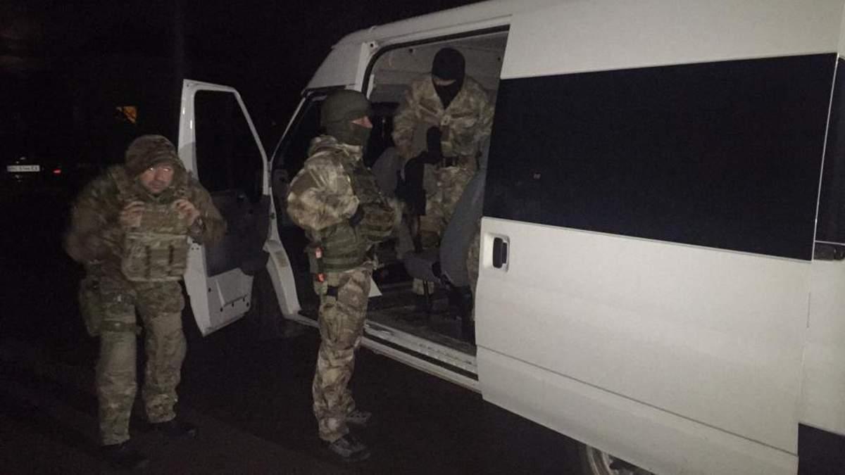 У Львівській області поліція затримала чоловіка, який погрожував підірвати будинок своєї дружини