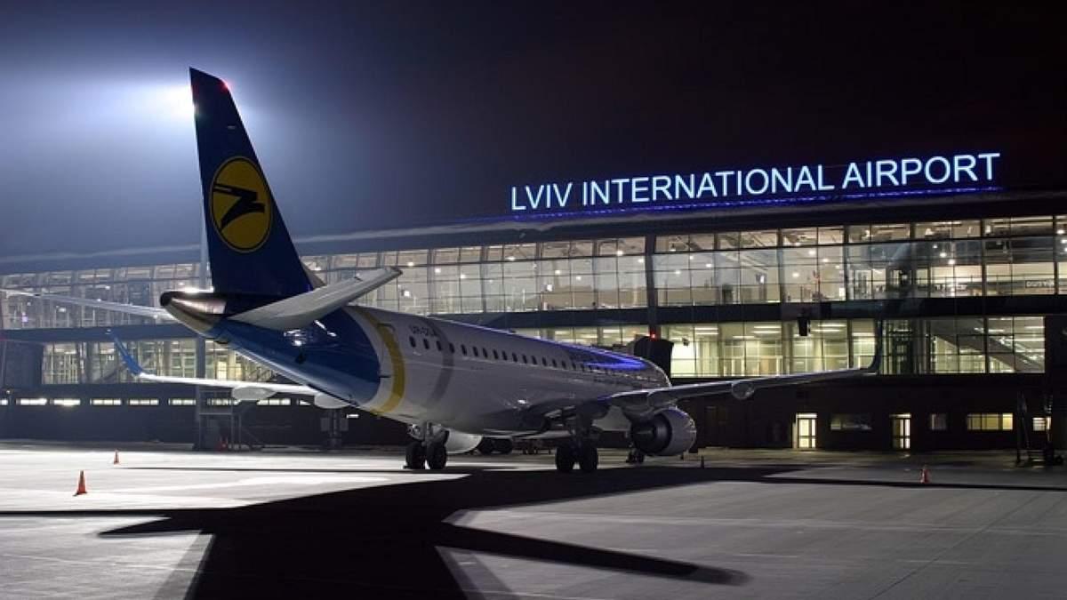Колапс в аеропорту Львова: коли ситуація владнається
