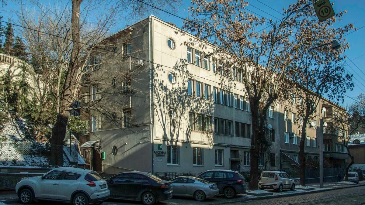 Будинок з підписом архітектора: що ховають в собі кам'яниці на Вітовського