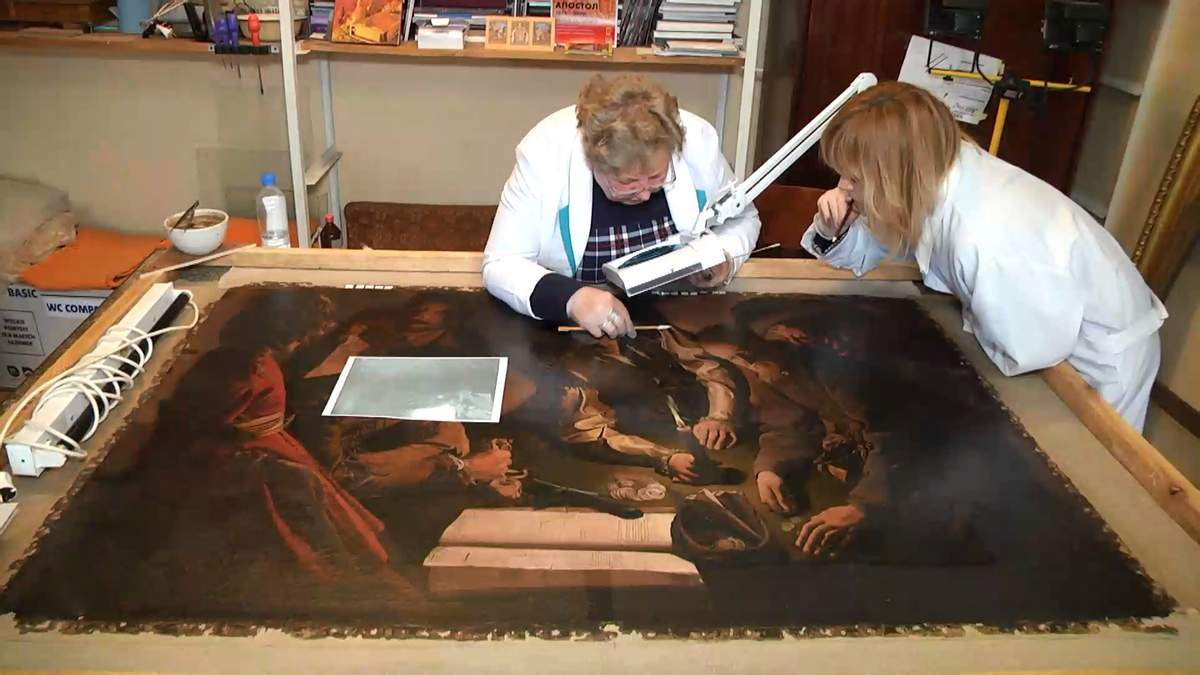 Во Львове реставрируют уникальную картину 17 века