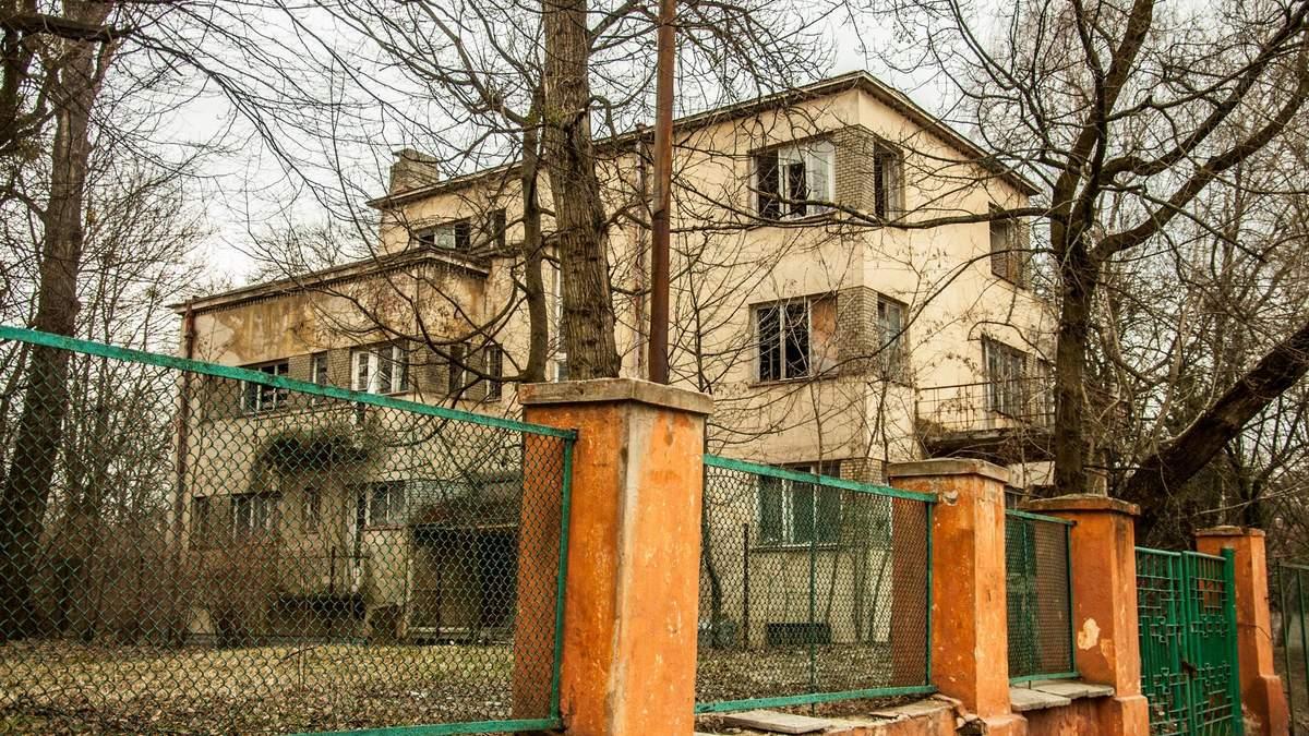 Замість історичного будинку у Львові з'явиться сучасний дитячий центр: фотопорівняння