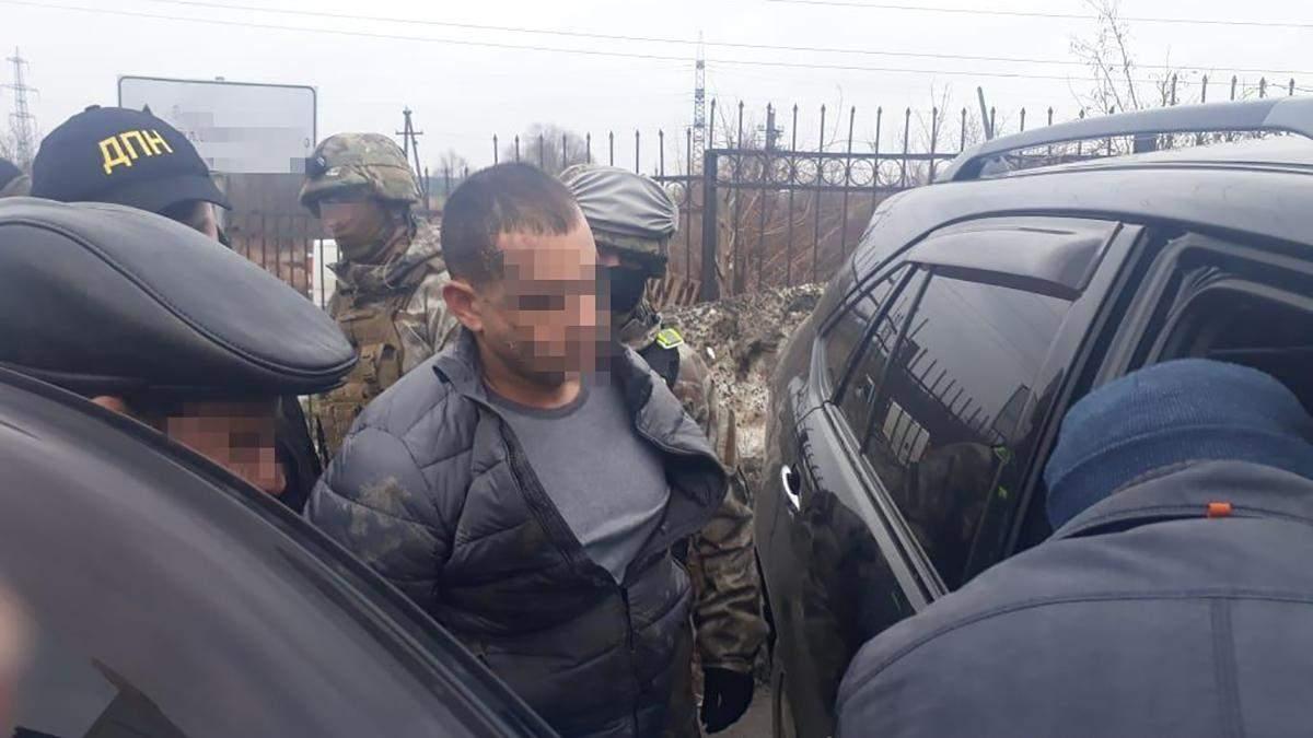 На Львівщині затримали впливового наркодилера, який возив психотропи з Європи: фото