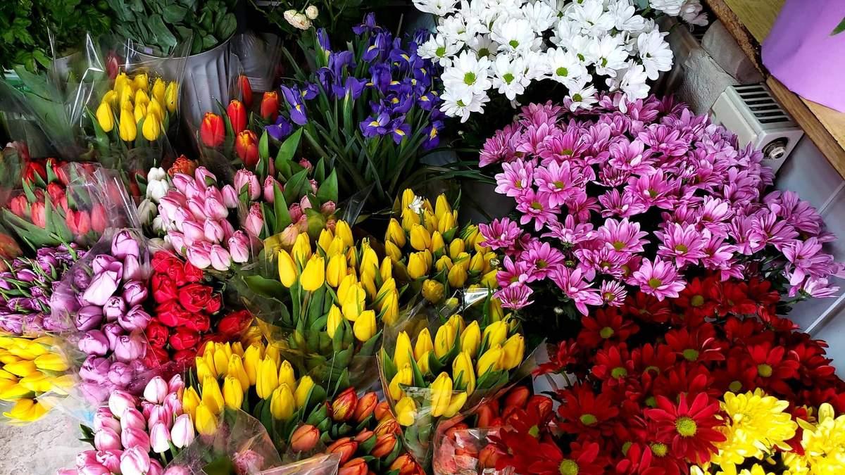 Скільки коштують квіти до 8 березня: ціни у Києві та Львові