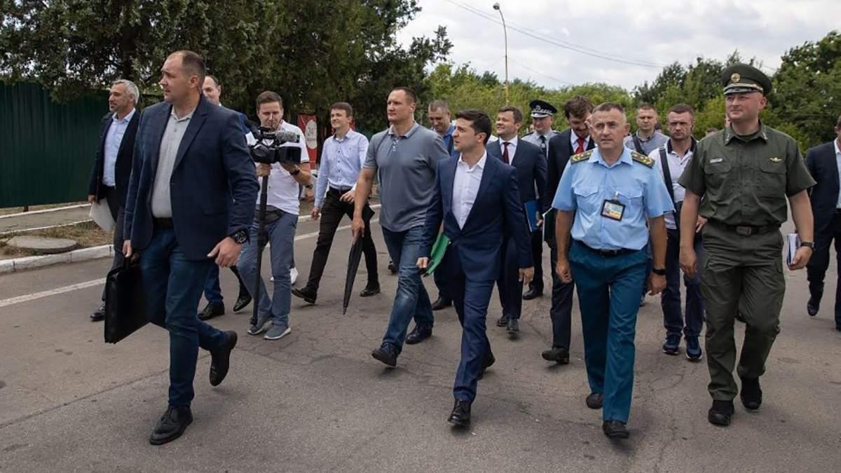 Зеленський вимагає звільнення голів обласних митниць Західної України протягом двох діб