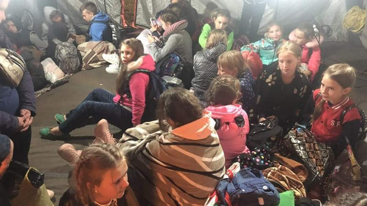 Діти після ДТП на трасі Київ – Чоп