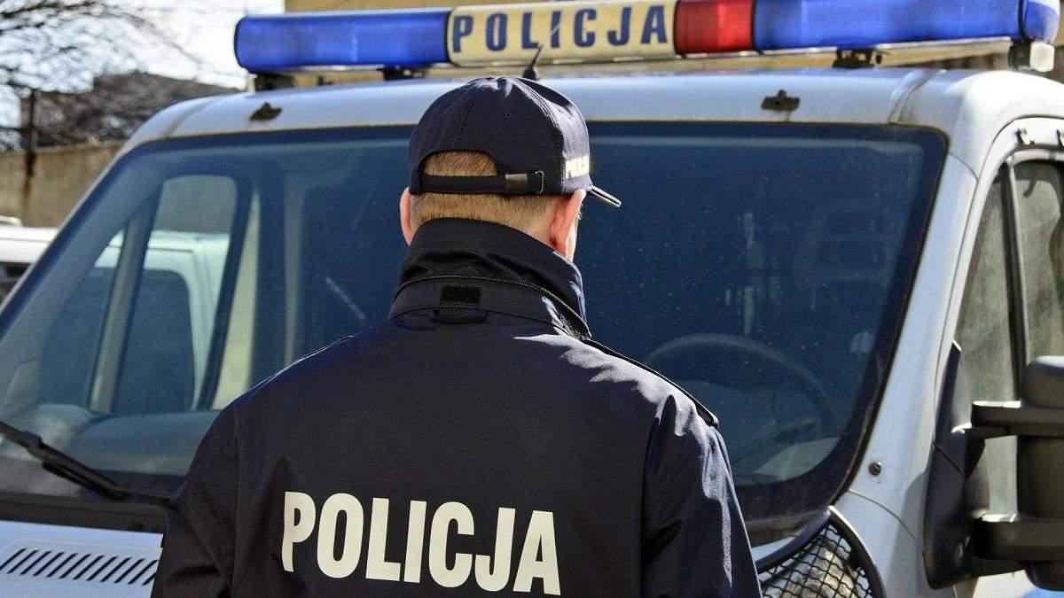 Поліцейські спільно розшукують підозрюваного