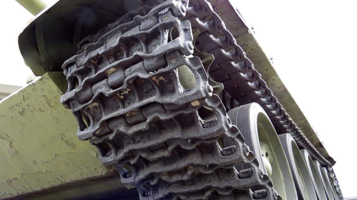 В воинской части на Львовщине обнаружили нехватку бронетанкового имущества
