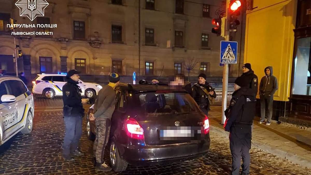 Задержание таксиста с сообщником