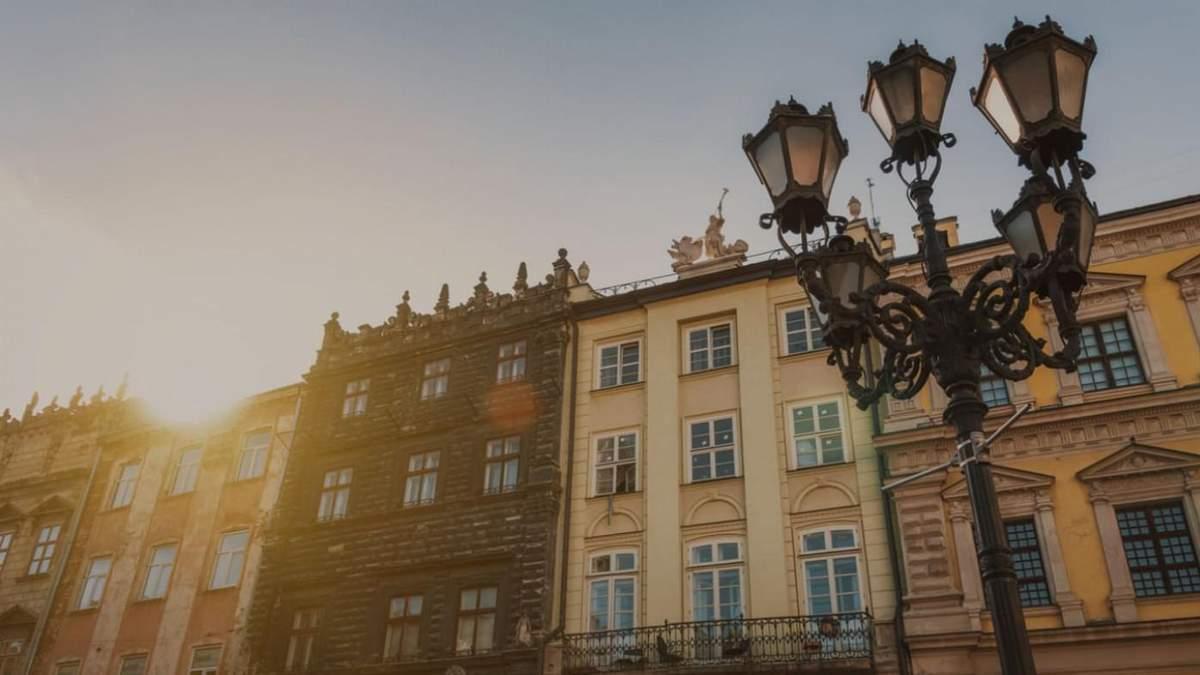 Карантин у Львові: заборона будь-яких заходів, цілодобові аптеки та магазини