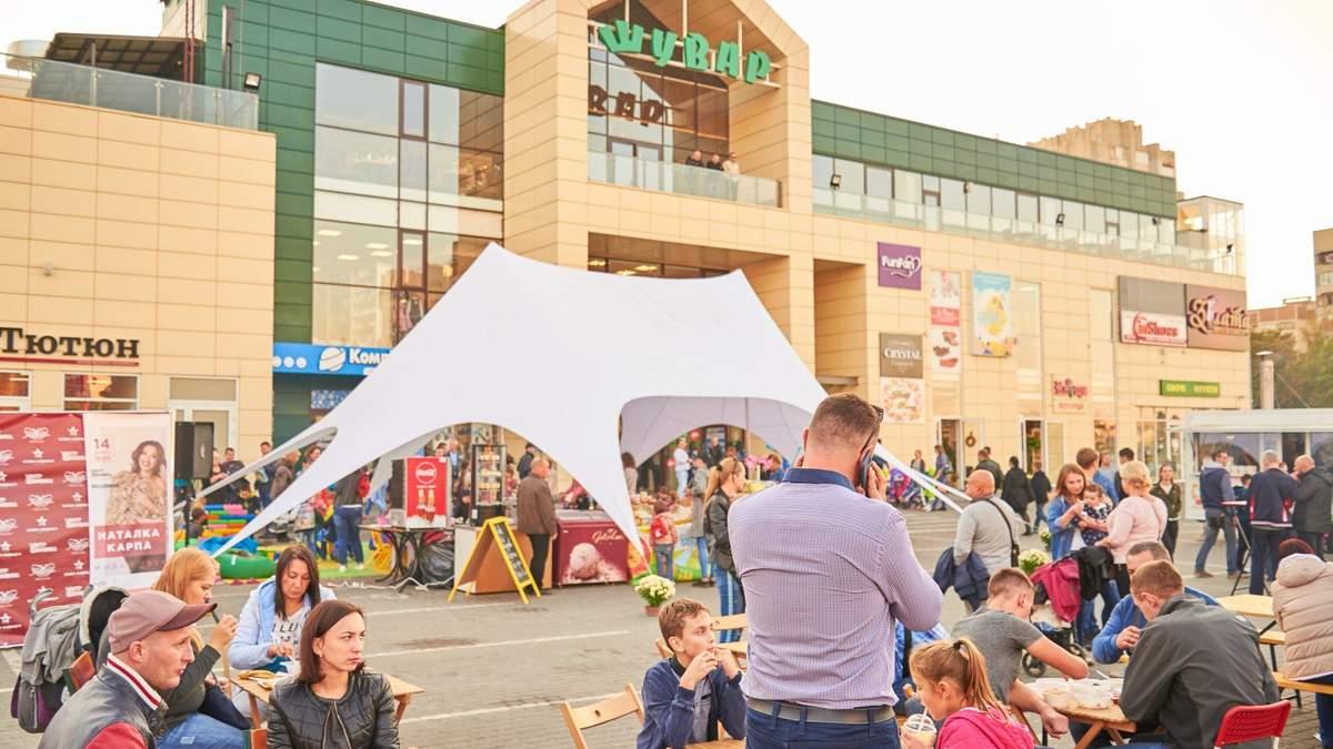 """Во Львове коронавирус обнаружили у работника продуктового рынка """"Шувар"""""""
