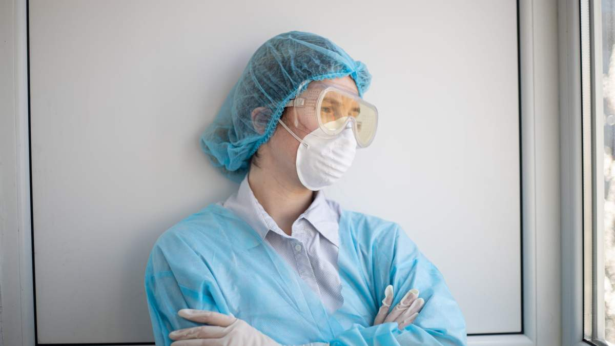 Медики Львова, заразившиеся COVID-19, получат по 20 тысяч гривен