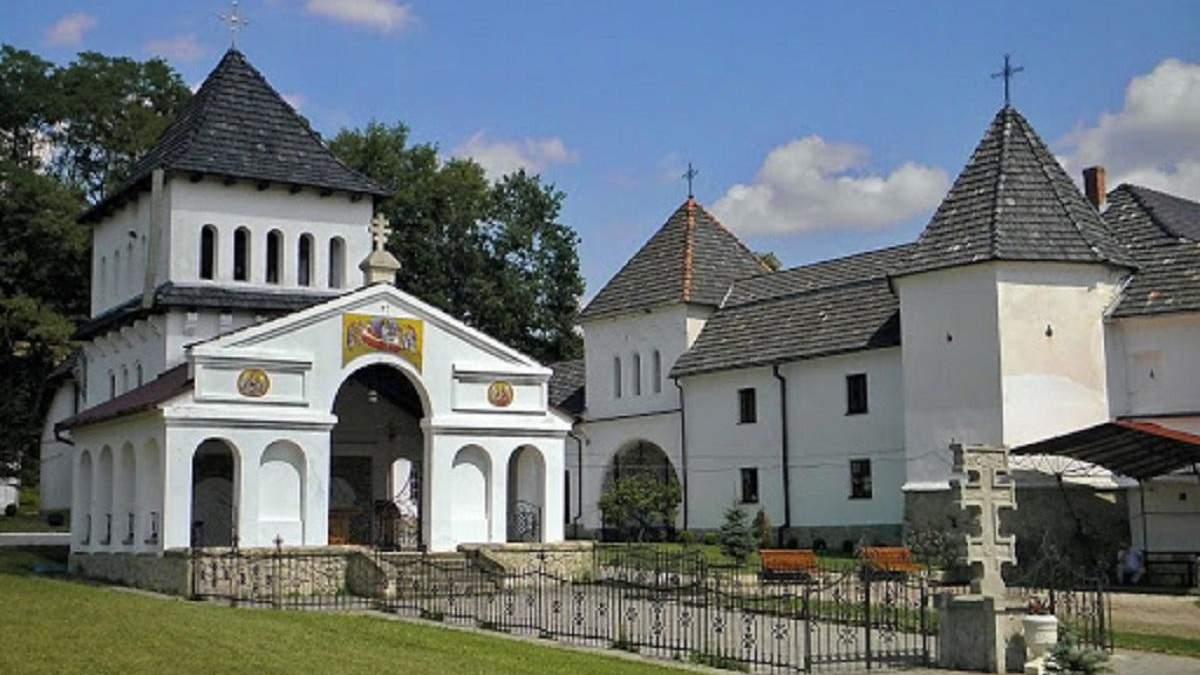 Спалах COVID-19 в Унівській лаврі: захворіли монахи
