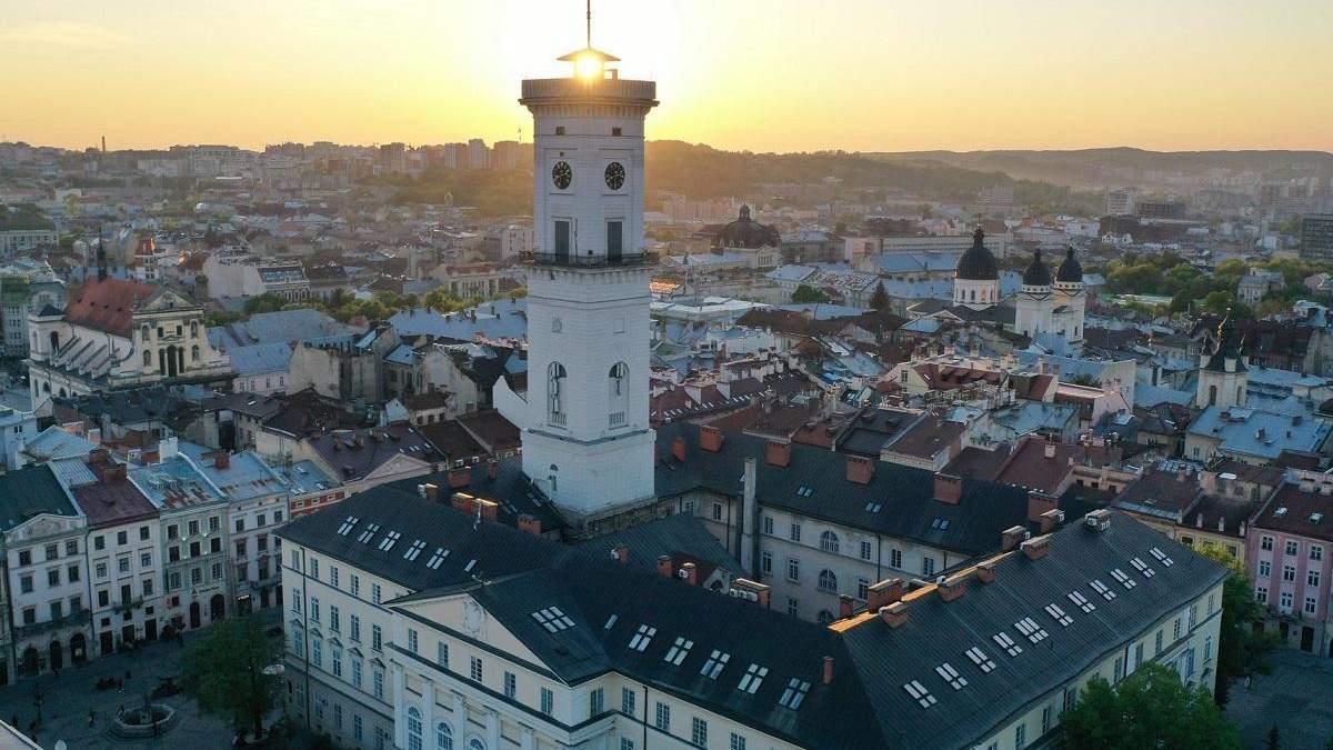 У підземеллі львівської ратуші презентувалВо Львове презентовали Музей города в подземелье ратуши - фото и видеои Музй міста