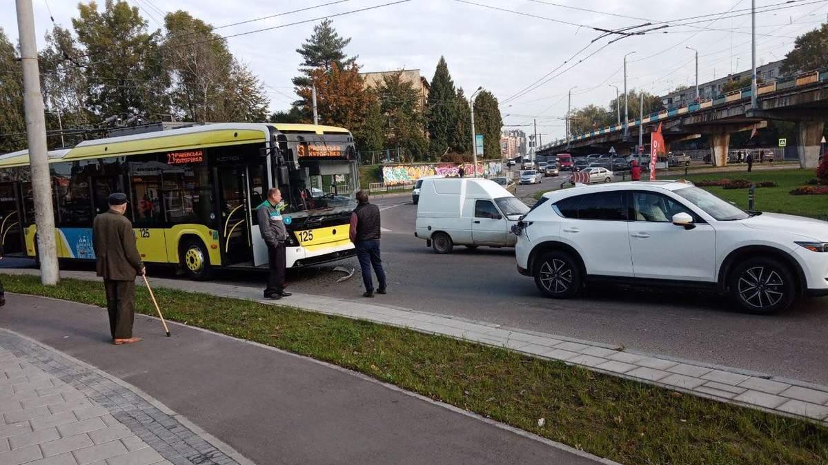 Во Львове запустили троллейбус по новому маршруту: детали маршрута
