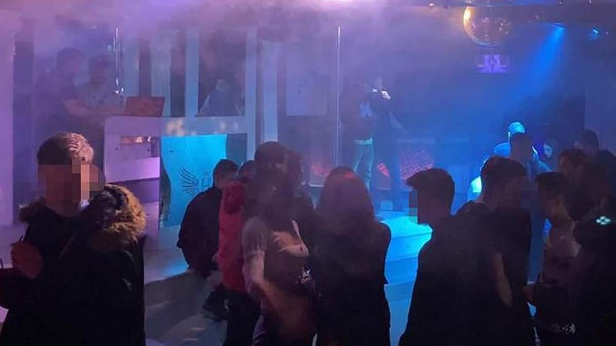 Во Львове закрыли популярный ночной клуб из-за нарушения карантина: фото