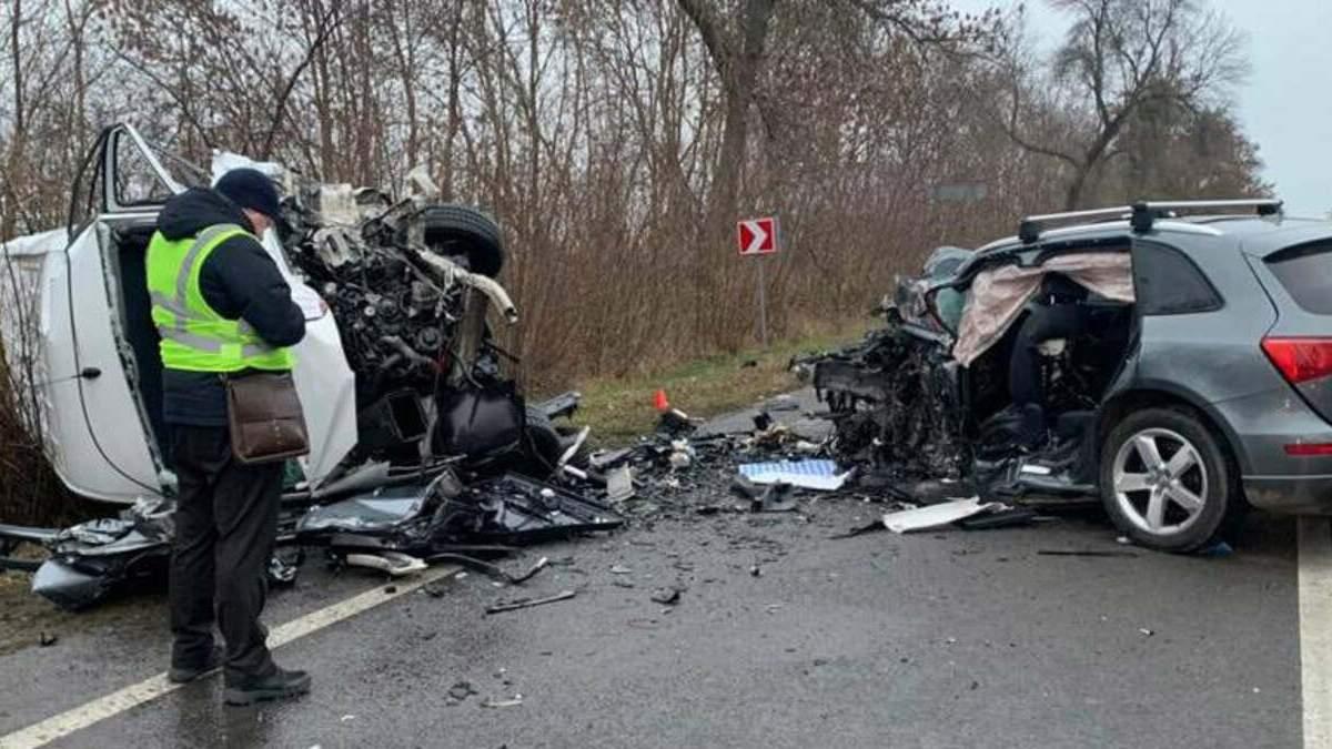 В смертельном ДТП на Львовщине 03.12.2020 погибли 3 человека: фото с места аварии