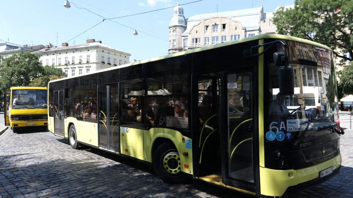 У Львові міські автобуси почали курсувати до сіл та міст Львівської МТГ: що відомо