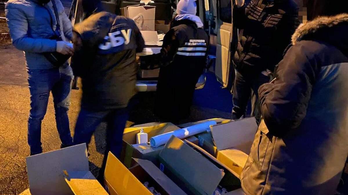 Крупные партии поддельного антисептика: во Львове накрыли подпольное производство - фото