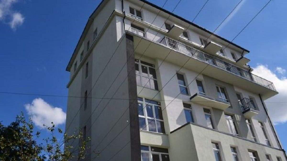 У Львові знесуть незаконну новобудову, у якій забудовник вже встиг продати квартири