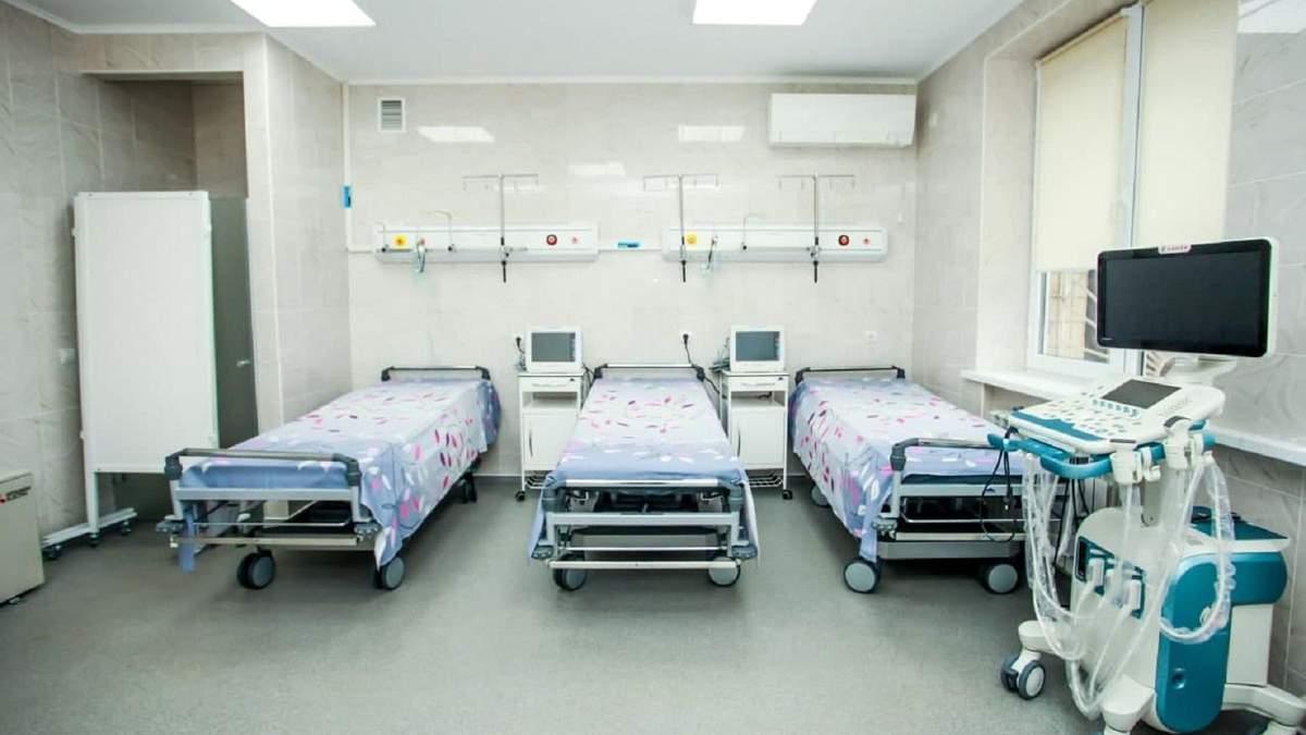 В Винники привезли первых больных COVID-19 с Прикарпатья