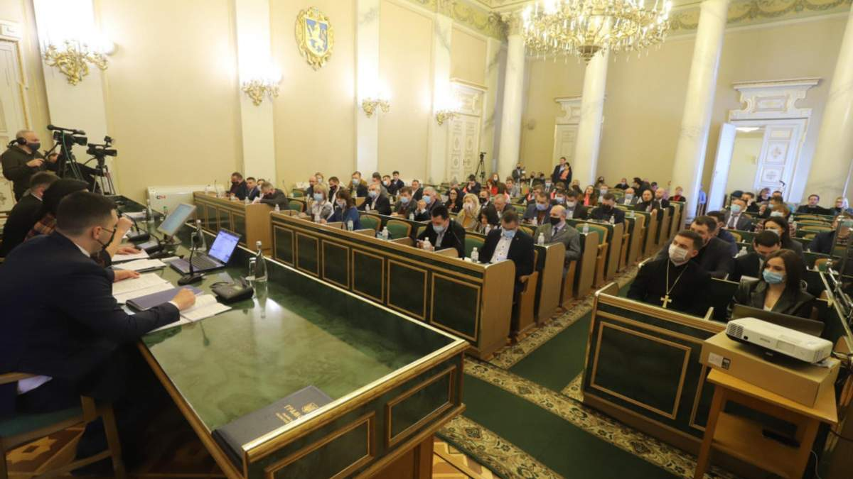 Суд превратился в орудие давления: депутаты ЛОР обратились к Зеленскому по приговору Стерненку