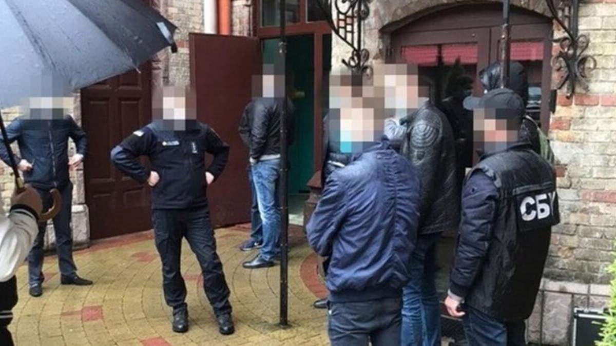 Оштрафовали на 18 тысяч гривен, во Львове чиновник ГСЧС требовал 500 долларов взятки