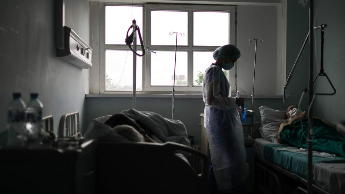 Жахаюча кількість: Садовий показав, скільки львів'ян померли від пневмоній під час пандемії