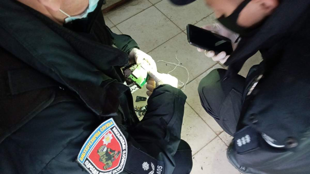 Советник мэра Львова нашел нелегальный GPS-трекер на своем авто