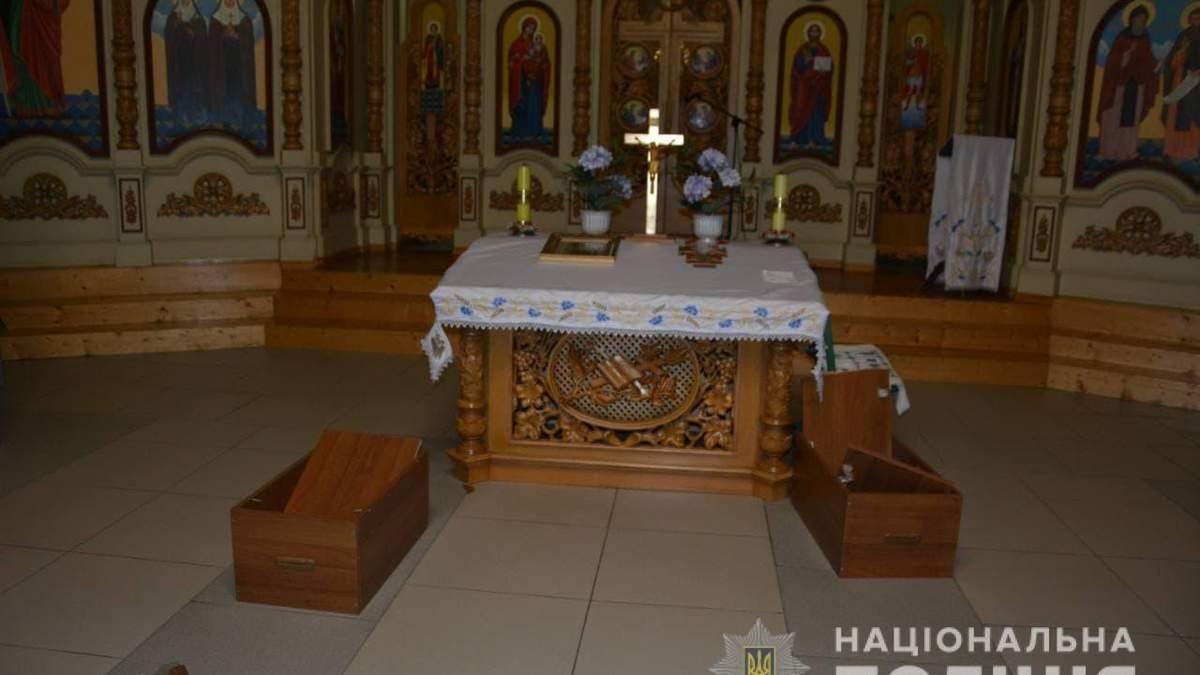 Грабил церкви и прохожих: в Дрогобыче задержали 15-летнего вора - фото