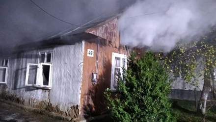 На Львівщині трапилась нищівна пожежа: жінка отруїлась димом і не могла врятуватись – фото