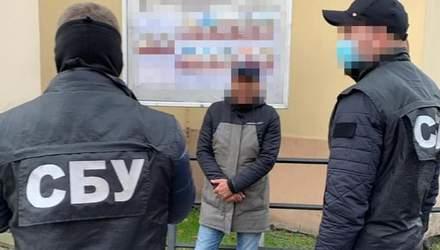 Тысяча долларов за год: во Львове работник суда получил взятку за отмену приговора – фото