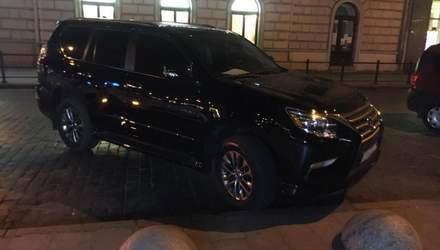 Давал 100 долларов: во Львове пьяный водитель хотел откупиться от полицейских – фото