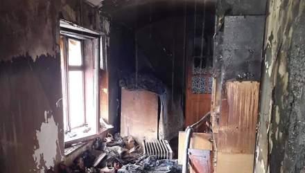 На Львівщині трапилась нищівна пожежа у 2-поверховому будинку: фото згарища