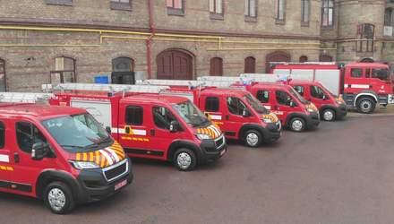 Спасатели Львовщины получили пожарные автомобили первой помощи за 9 миллионов гривен: фото