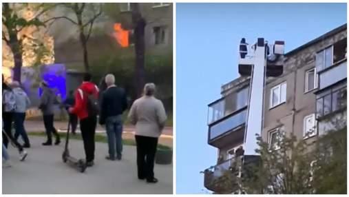 Пожежа у Львові біля мотозаводу: людей знімали вишкою з 9 поверху – фото, відео