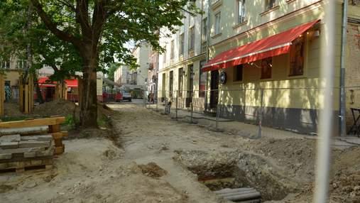 В центре Львова археологи нашли фрагмент средневековой стены: фото