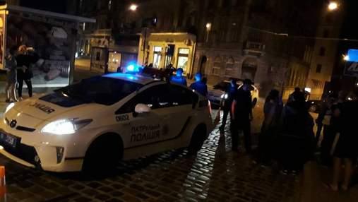У Львові Jeep протаранив авто поліції, яке супроводжувало немовля в лікарню: постраждали 5 людей
