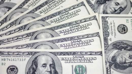 Вкрали гаманець з 3500 доларів: у центрі Львова затримали 3 жінок – фото